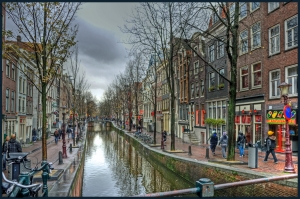 Red-light_district_(De_Wallen)_Amsterdam